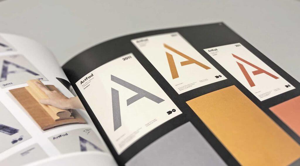 Farbe ist ein Gestaltungsmittel in der Typografie